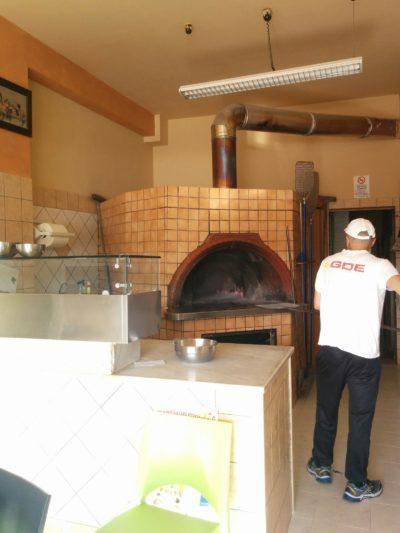 Pizzaofen in der Pizzeria del Ponte