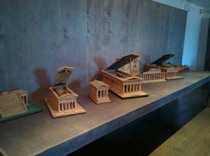 nachgebaute Miniaturtempel im Museum