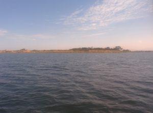 Die Insel San Pantaleo vom Tretboot aus betrachtet