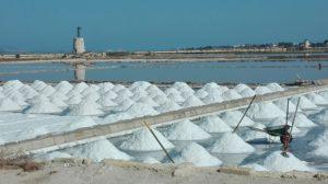 Salzabbau in den Salinen von Marsala