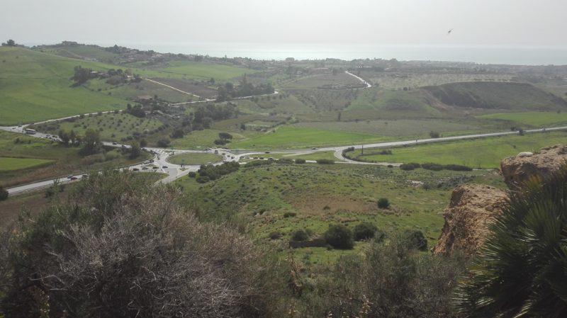 Aussicht vom Tempio di Giunone bis zum nahe liegenden Meer