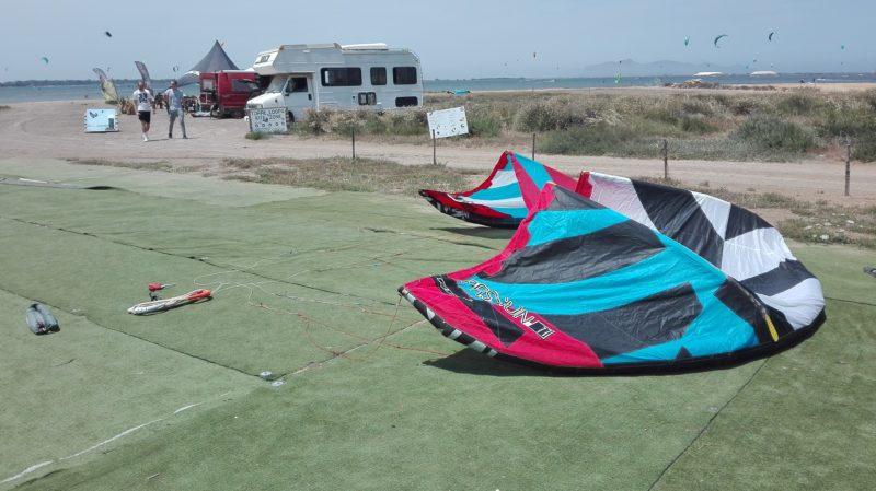 So vorbereitet wartet ein Kite beim Profi auf seinen Einsatz