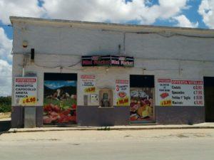 Der Mini Market in Petrosino