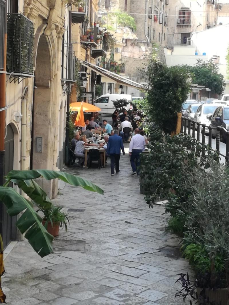 Ansprechendes Restaurant in Palermo in einer Seitengasse