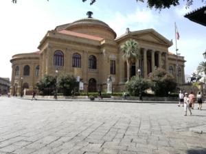 Das Theater Massimo